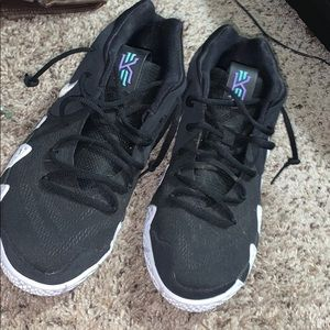 Kyrie Irving basketball shoes (size 7)